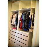 closet planejado com espelho valores Condomínio Barão do Café
