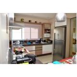 cozinha planejada com bancada Castelo
